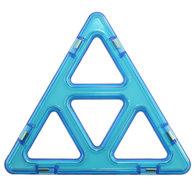 Super Triangle Magformers